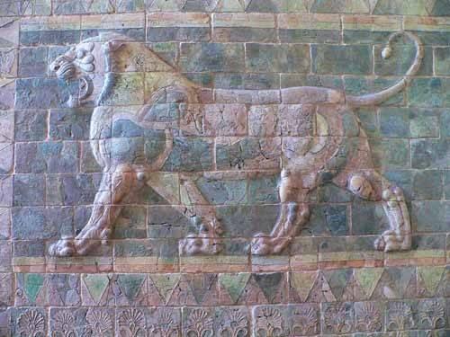 cuadros-de-fotografia - Cuadro -Friso de un león del palacio de Darius I- - _Anónimo Persa